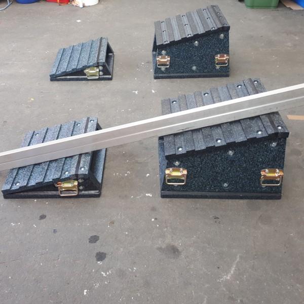 Schwerlastrampe Baggerrampe 2 teilig mit Kippschutz (Rampe 8)
