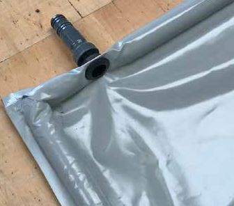 Kunststoffablauf in der Seitenwand Horizontal